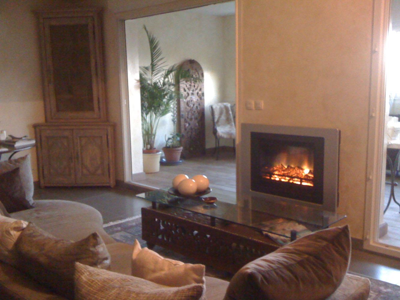 R alisations chemin e lectrique style ancien et moderne - Decor cheminee salon ...