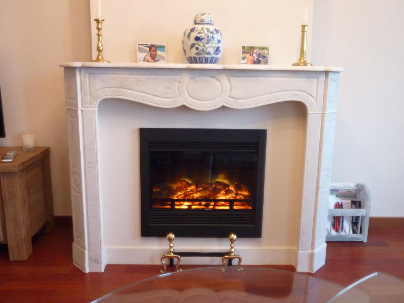 chemine electrique decorative trendy la chemine malaga. Black Bedroom Furniture Sets. Home Design Ideas